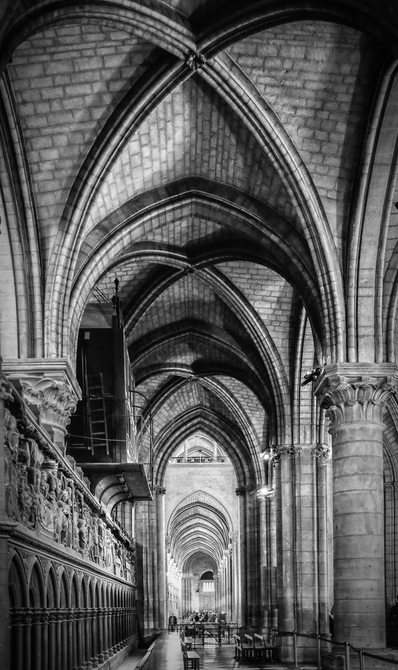Paris Notre Dame interior BW Paris France