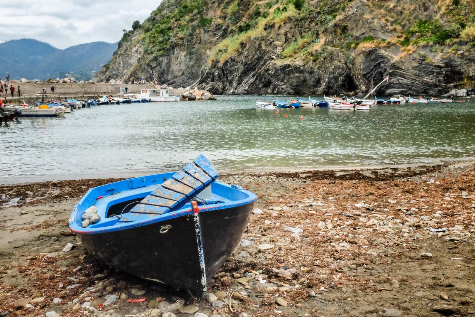 Vernazza boat Cinque Terre Italy