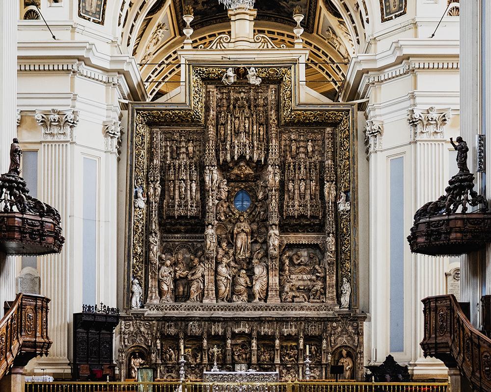 Basílica de Nuestra Señora del Pilar altar Zaragoza Spain