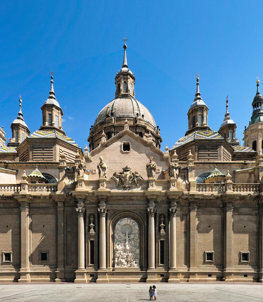 Basílica de Nuestra Señora del Pilar steeples Zaragoza Spain