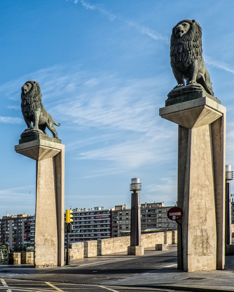 Puente de Piedra lions Zaragoza Spain