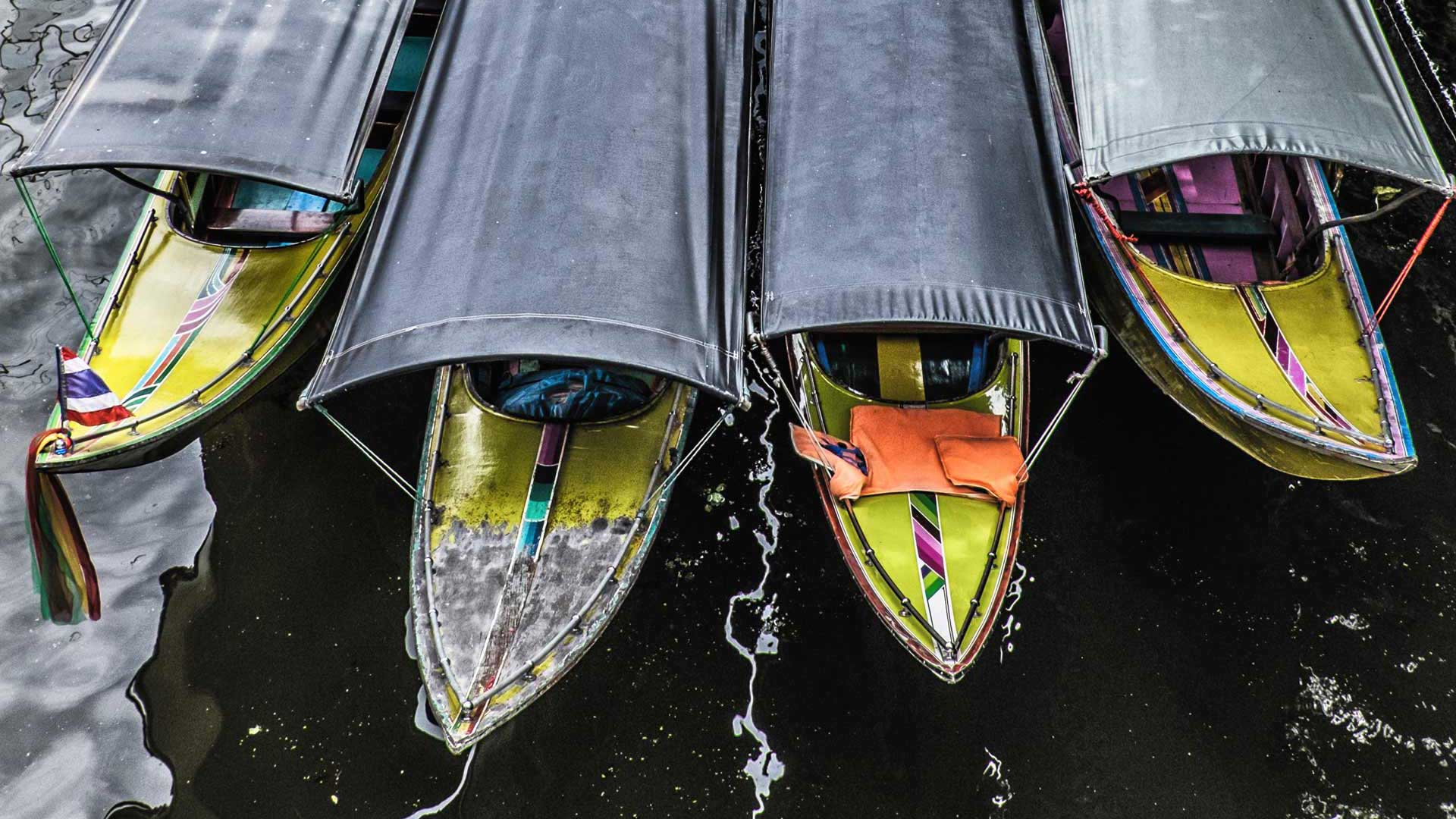 Damnoen Saduak Floating Market Long Tail Boats Bangkok Thailand